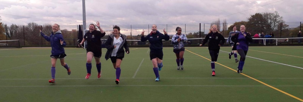 The Ladies 2s warm-up!
